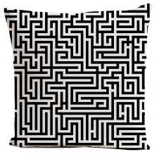 Coussin velours carré imprimé motifs noir et blanc 60×60