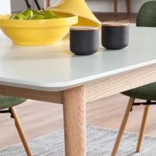 Table Lindholm III