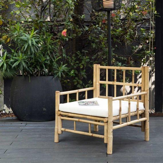 Fauteuil de jardin en bambou naturel avec coussin en coton canvas écru Taman