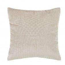 Coussin en velours beige motifs brodés 45×45